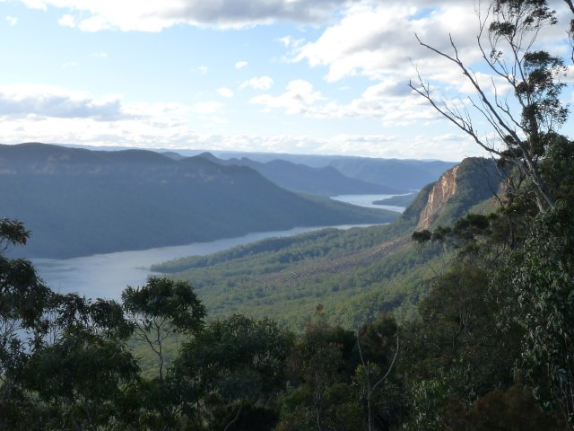 Lake Burragorang looking north