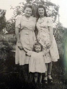 Lilly Cooper and Molly Keenan lived in the Gully, Katoomba, 1948